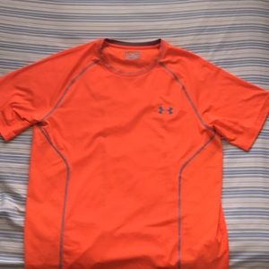 Under armor shirt size Lg fitted orange